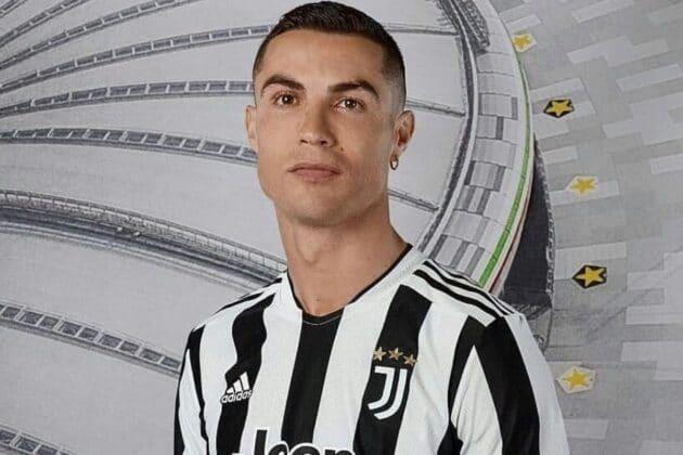 cristiano ronaldo nuova maglia juventus 2022
