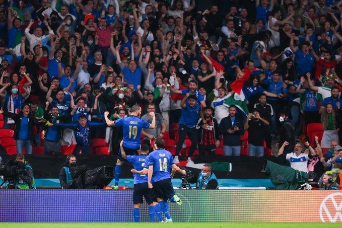 Italia inghilterra supercoppa Maradona